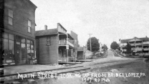 Main Street looking west 1907